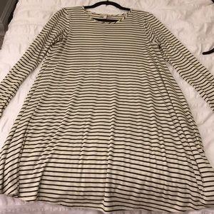 Gianni Bini cream/black striped Long sleeve Dress